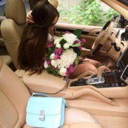 Luksusowe Samochody, kobieta i Kwiat