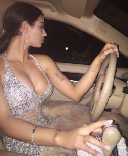 eleganckie Ubrania, kobiety i auta