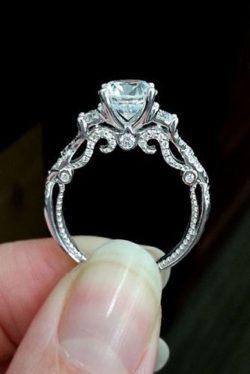 Pierścionki zaręczynowe, biżuteria