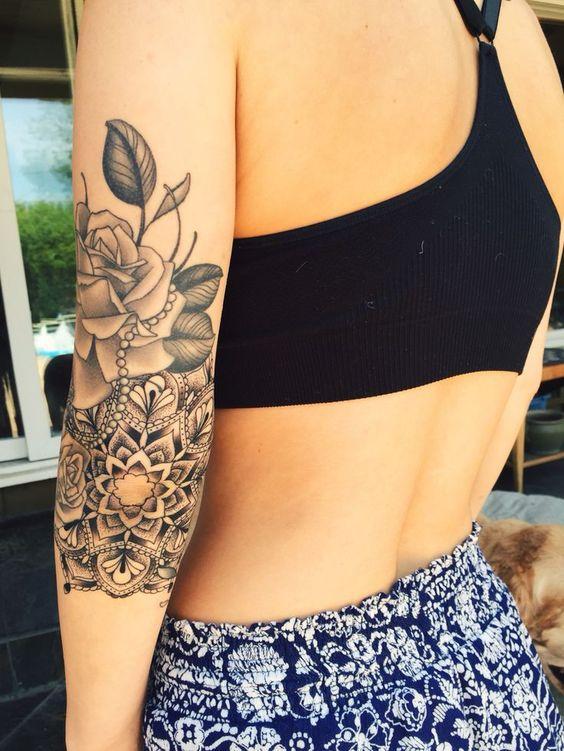 Tatuaż Róża Damskie Inspiracje Twoje źródło Inspiracji