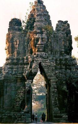 Kambodża, Podróże