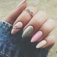 Pudrowe paznokcie