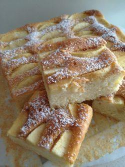 Szybkie ciasto jogurtowe z jabłkami